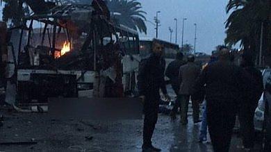Esplode bus guardie presidenziali  almeno 12 morti in Tunisia   foto
