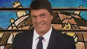 """Crozza-Renzi: """"Sconfiggere l'Is? Basta taggare i terroristi"""""""