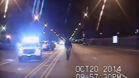 Video omicidio polizia chicago spara nero 16 colpi video integrale no censura