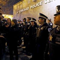Chicago, notte di proteste per il video schock sull'uccisione di un giovane afroamericano