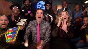 Adele canta con Jimmy Fallon ''Hello'' è un gioco da bambini