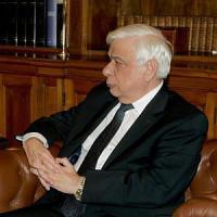 """Prokopis Pavlopoulos: """"Fermare i terroristi, non chi cerca rifugio"""""""
