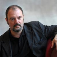 """Carlo Lucarelli: """"Racconto il grande noir dell'Italia coloniale"""""""