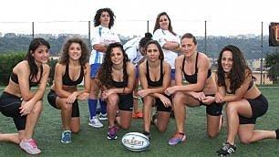 Le ragazze del rugby in posa  Calendario per autofinanziarsi