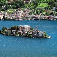 Un'isoletta in mezzo al lago: le più belle d'Italia e del mondo