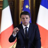 """Renzi a Parigi da Hollande   video   """"Coalizione più ampia contro l'Is"""""""