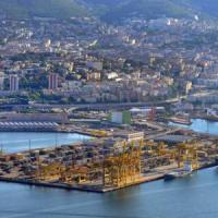 Carico con 800 armi da guerra sequestrato nel porto di Trieste