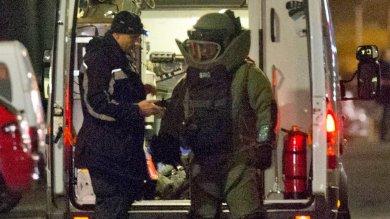 Berlino, polizia in moschea   foto   2 arresti. 'Attacco in preparazione'