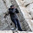 """""""Tronca vogliamo lavorare""""  A Roma uomo sul Colosseo  per due ore -   video    ha minacciato di buttarsi"""