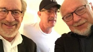 """Spielberg e Tom Hanks a Zucconi """"Le parole contro i proiettili""""    Intervista in edicola sul """"Venerdì"""""""