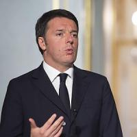 """Renzi: """"Bonus per comprare gli italiani? Non offendeteli"""". E su lotta al terrorismo:..."""