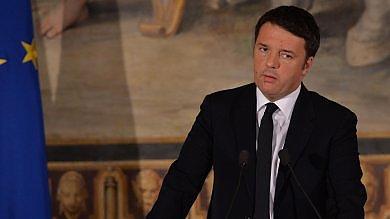 """Renzi: """"Bonus per comprare gli italiani?  Non offendeteli"""". E su lotta al terrorismo: """"Strategie di pace prima delle bombe"""""""