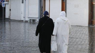 """L'italiana assessore a Molenbeek  video  """"Il radicalismo attecchisce sulla povertà"""""""