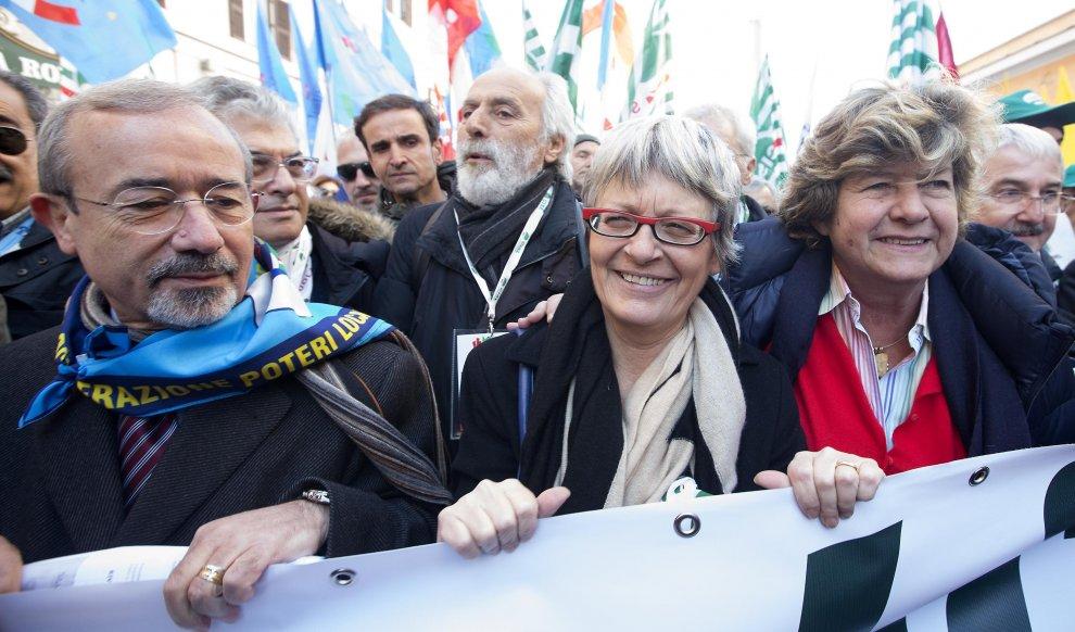 Sfila il pubblico impiego: in piazza a Roma Cgil, Cisl e Uil