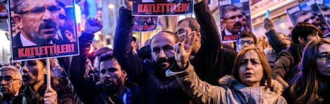Turchia, ucciso leader avvocati curdi   video   -  foto   Rabbia nelle città, scontri a Istanbul    video    -   foto