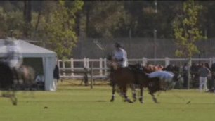 Harry, il principe disarcionato Cade da cavallo: illeso