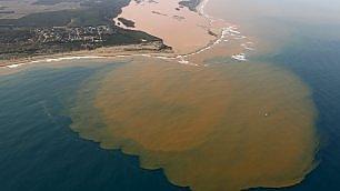 Disastro ambientale in Brasile il fango tossico nell'Atlantico
