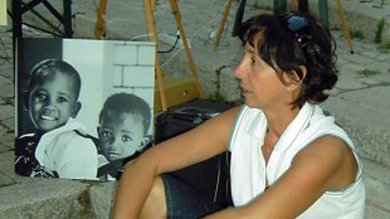 Kenya, uccisa dottoressa italiana   foto   durante una rapina: difendeva la madre