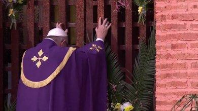 Giubileo inizia in Centrafrica  Papa apre la Porta santa -   foto     /   video