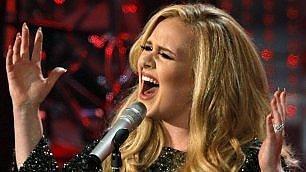 """Adele che numeri, la ragazza dei record """"Una luce in fondo al tunnel"""""""