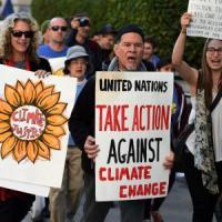 Parigi, COP21: al via due settimane di negoziati, tra sostegno ai paesi poveri e tagli di CO2