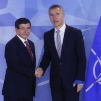 Jet russo abbattuto, Putin accusa Turchia di complicità con l'Is