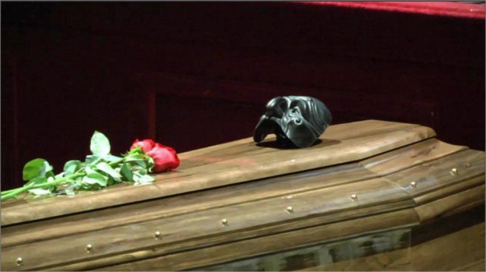 Luca De Filippo, funerali laici al teatro Argentina