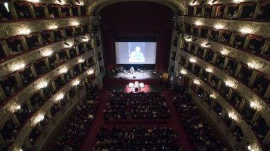 Foto  Luca De Filippo: ultimo atto   Funerali laici al Teatro Argentina  video
