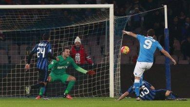 Napoli in vetta, 2-1 sull'Inter