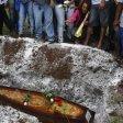 Brasile, auto crivellata  da colpi della polizia  uccisi 5 giovani