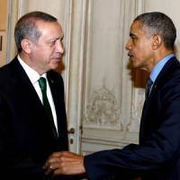 """Obama: """"Uniti contro l'Is. Erdogan ha diritto di difendersi, ma smorzi tensioni con Mosca"""""""