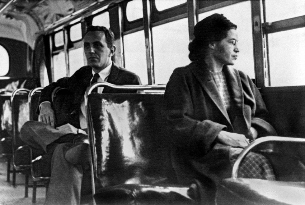 Rosa Parks, 60 anni fa il gesto simbolo della lotta al razzismo  152846579-4d01876d-5629-47f2-b478-3f0f0a6143fc