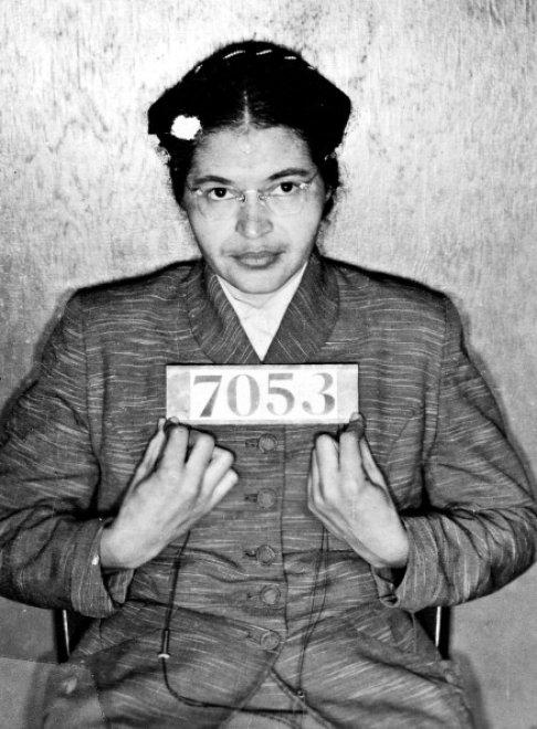 Rosa Parks, 60 anni fa il gesto simbolo della lotta al razzismo  153049343-86c50556-9eaf-40df-816c-cc7d97d4daab