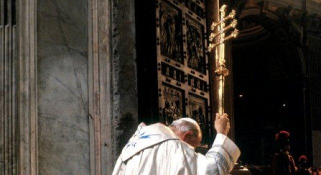 Desde Bonifacio VIII a Juan Pablo II la historia del perdón global