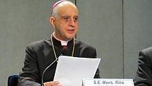 """Il Papa scrive a Fisichella """"Così si può ottenere l'indulgenza giubilare"""""""