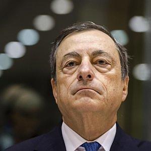 Draghi taglia i tassi sui depositi. Il Qe si estende fino al marzo 2017