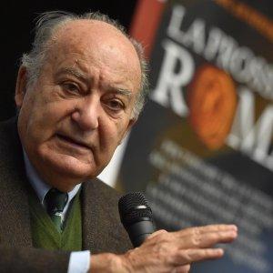 """Giuseppe De Rita: """"Un'Italia da zero virgola ferma da quindici anni, non è così che si cresce"""""""