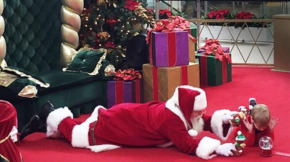 Usa, Babbo Natale e il bimbo autistico: tutti giù per ...