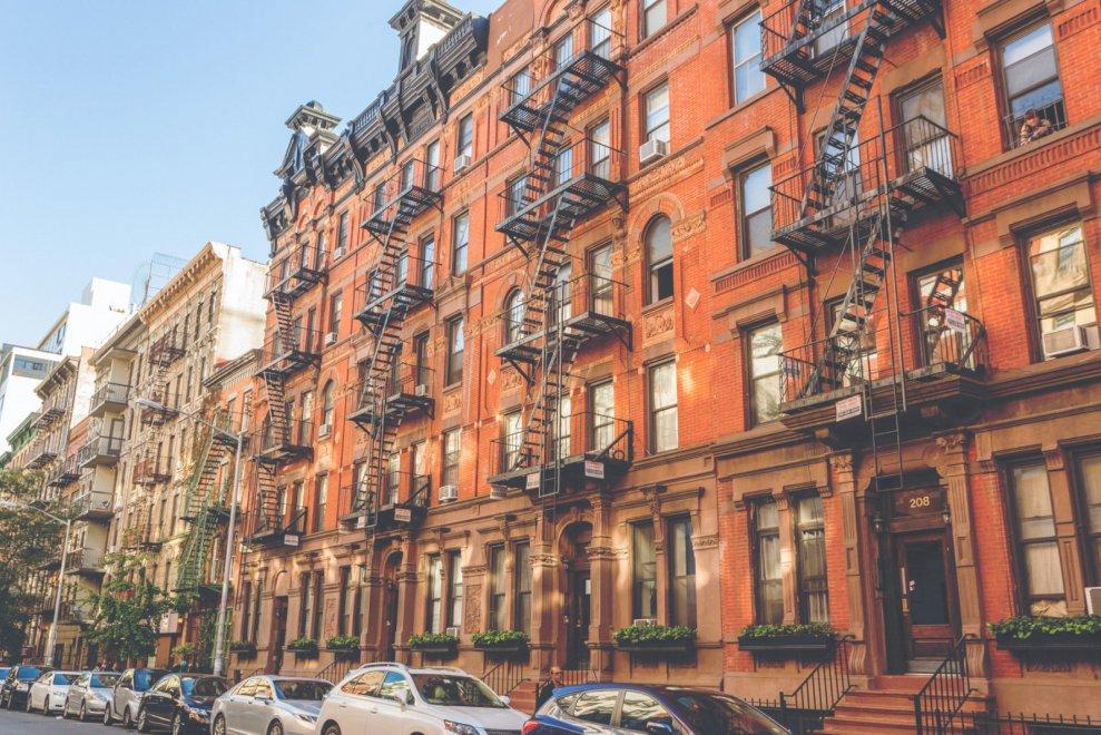 Vivere in 24 metri quadri carmel building primo palazzo for Appartamenti economici new york manhattan