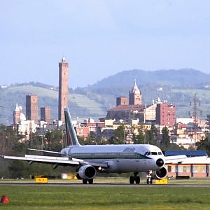 """Giovanni Buttarelli: """"Schedare i passeggeri è contro i Trattati Ue"""". Il garante europeo boccia la stretta sui voli"""