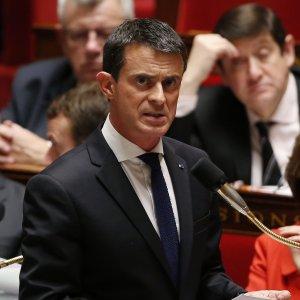 """Francia, Valls: """"La vittoria del Front National può portare alla guerra civile"""""""