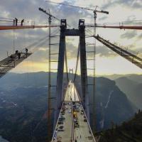 Vertigini sul ponte, la Cina inaugura il secondo più alto del mondo: 406 m.
