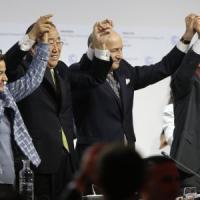A Parigi l'accordo sul clima che cambia il volto dell'economia