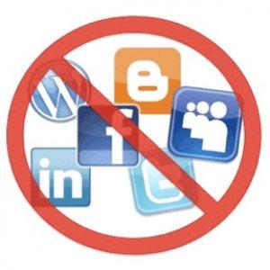 Ue, social network ed email rischiano di essere proibiti ai minori di 16 anni