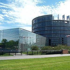 Parlamento Ue dice sì ai matrimoni gay ma condanna la maternità surrogata 130022324-33d869fc-c8ad-4925-966d-b77f0633f927