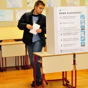 Slovenia, no a nozze gay e adozioni nelle coppie omosessuali