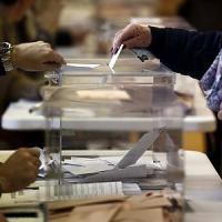 Il voto spagnolo zavorra la Borsa di Madrid, tensione anche sui Btp