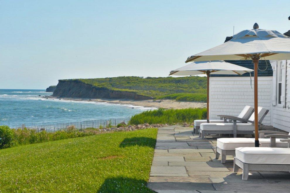 Hamptons venduta per 50 milioni la casa al mare di andy for Ascensori esterni per case al mare