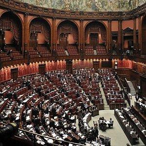 Camera dipendenti in agitazione contro tagli a indennit for Dipendenti camera dei deputati