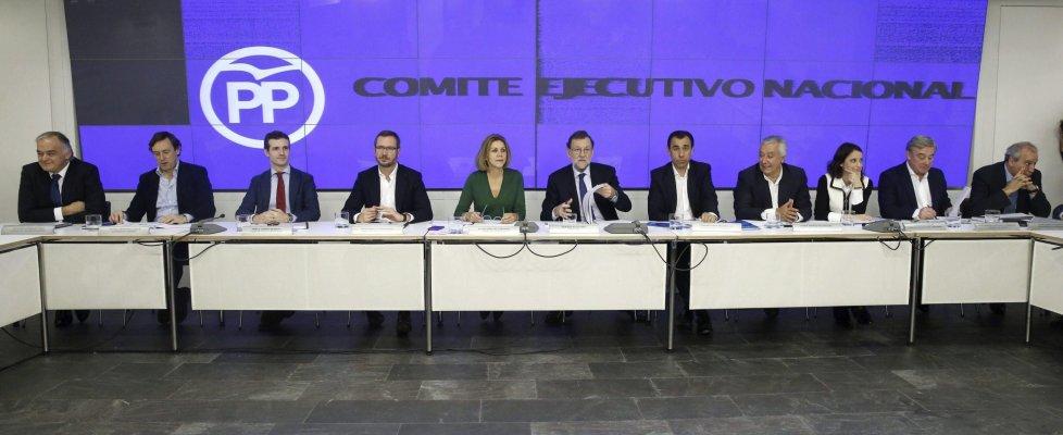 """Spagna 'italiana'. Rajoy: """"Governeremo"""". Ma Psoe, Podemos e C's dicono no a un'alleanza"""